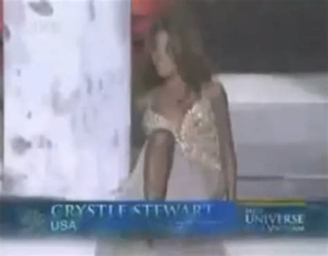 Miss Usa Falls Fails At by 10 Hilarious Pageant Fails Contests