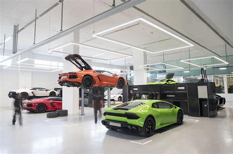 lamborghini dealership inside dit is de grootste lambo showroom ter wereld autoblog nl
