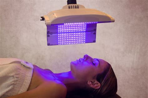 Blue Light Therapy Acne by The Top Light Treatments For Acne Clear Clinic Acne