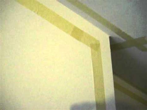 spiegelrahmen streichen abgeklebt wohnzimmer