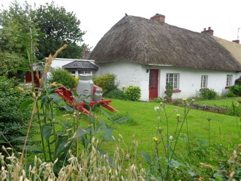 Killarney Cottages by 17 Best Images About Thatched Roof Cottages On