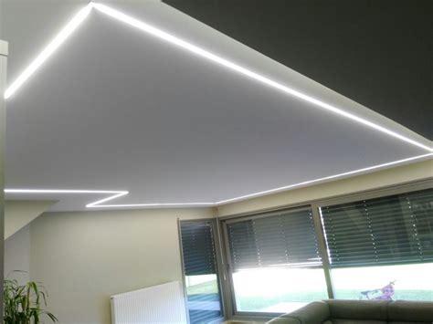 luces empotradas en el techo foto iluminacion mediante tiras de led empotradas en el