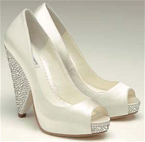 platform wedding shoes are they still on fashion