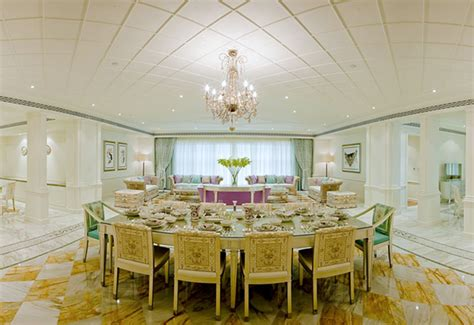 In Room Dining Manager In Dubai Palazzo Versace Dubai Hotel Delayed Until H2 2014