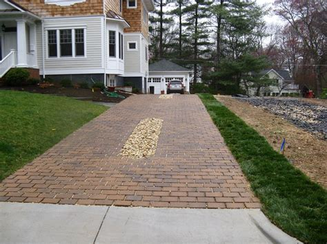 Driveway Gardens Ideas Licious Landscaping Driveway Entrance With Pattern Pathways Also Green Grass Fields