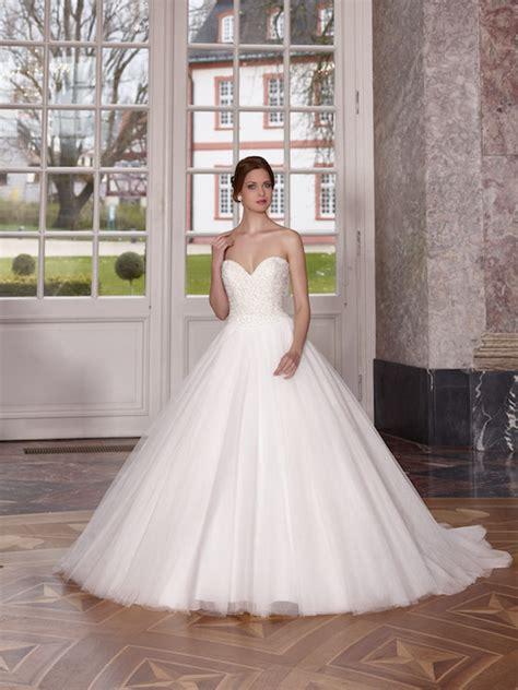 Edle Hochzeitskleider by Donetti Brautmode Edle Italienische Designs