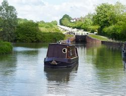 devizes canal boat hire canal narrow boat hire on the kennet avon canal