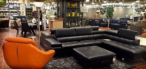 Nebraska Furniture Mart Customer Service by Inside The Store With Sales So Strong That Warren Buffett