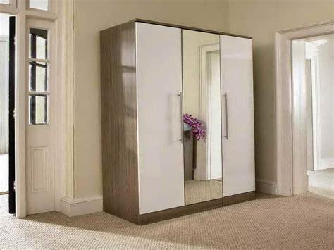 Lemari Kaca Kamar Mandi rumah minimalis kaca 1 lantai rumah upin