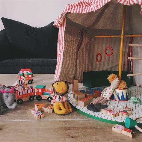 backyard circus toronto photographer backyard circus party julianna s
