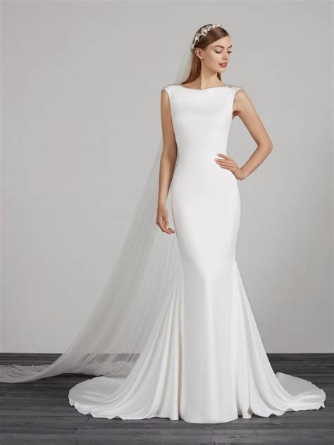 Simple Wedding Dresses & Bridal Gowns   Pronovias