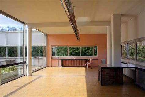 villa savoye le corbusier happy us book