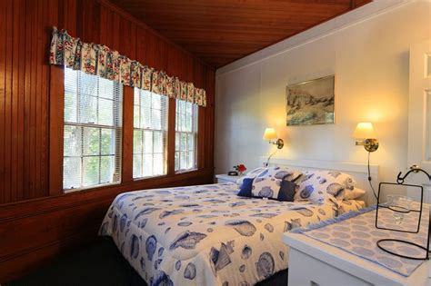 cape cod bedrooms cape cod one bedroom cottages