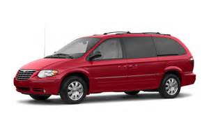 Chrysler Minivan 2005 2005 Chrysler Town Country Overview Cars