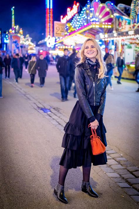 theme park ootd ootd theme park at night black outfit little red bag