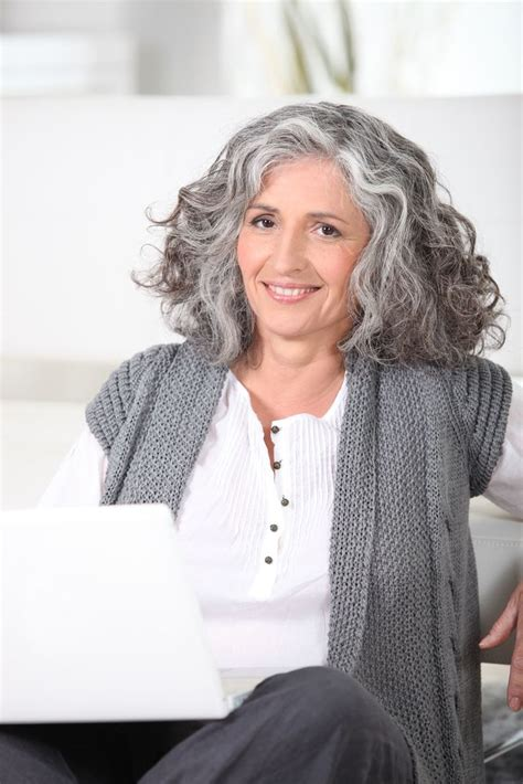 50 gray haired women on a bus 929 best fashion for women over 50 images on pinterest