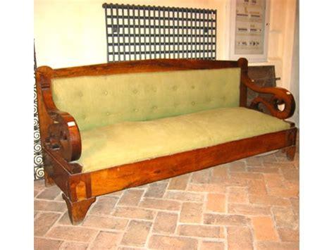 divani e divani bologna orari uno di due divani lastronati in radica di noce divani