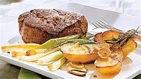 el mit n edition books steak mit rosmarinkartoffeln bild der frau