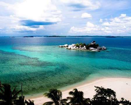 wisata  pantai tanjung lesung banten  cantik