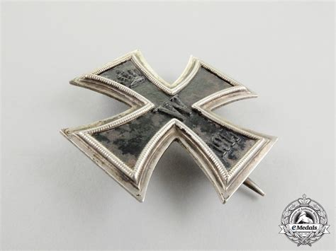Casing Cross G901t Fullset an iron cross 1914 class by the royal mint in its of issue presentation box