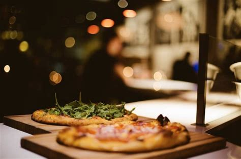 Table Artisan Pizza by 5 Restaurants In Coeur D Alene That Will Your Mind