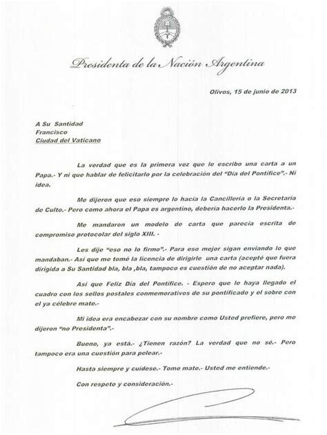 la carta para papa 1481278576 cristina le envi 243 una carta al papa por el d 237 a del pont 237 f