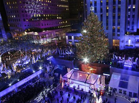 rockafeller center tree lighting rockefeller center tree lighting 2015 upi