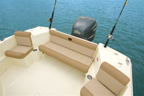 scout boats walkaround research scout boats 222 abaco walkaround boat on iboats