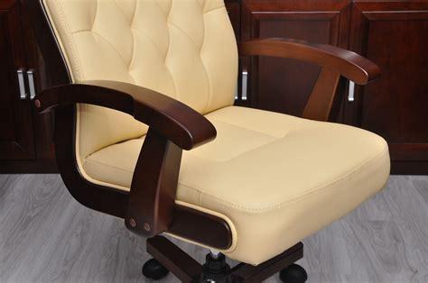 poltrone per ufficio poltrona direzionale in pelle beige crema moderna ed elegante