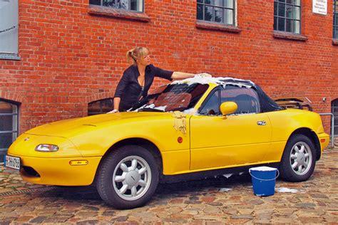 Auto Polieren Jahreszeit by So Motten Sie Oldtimer Sauber Ein Bilder Autobild De