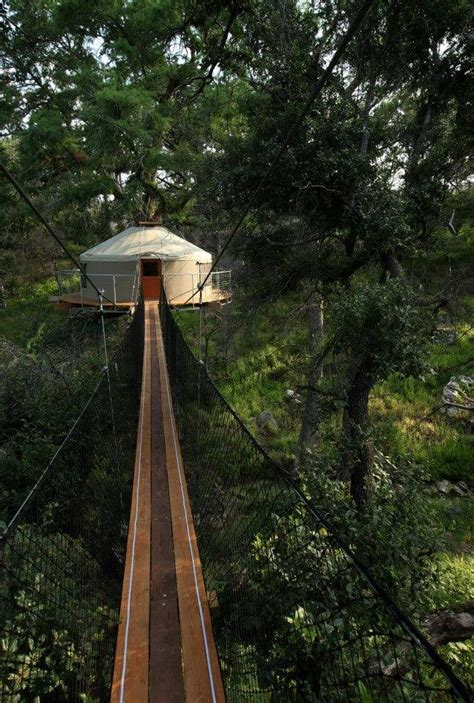 tree houses in texas for vacations the awesome treehouse in texas that you can spend the night in