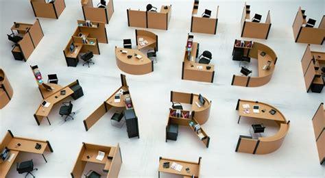 desain unik meja kerja typo desain meja kantor unik agar betah di kantor