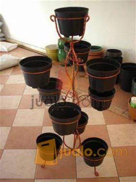 Jual Rak Besi Tanaman jual rak standing pot bunga tanaman jakarta jualo