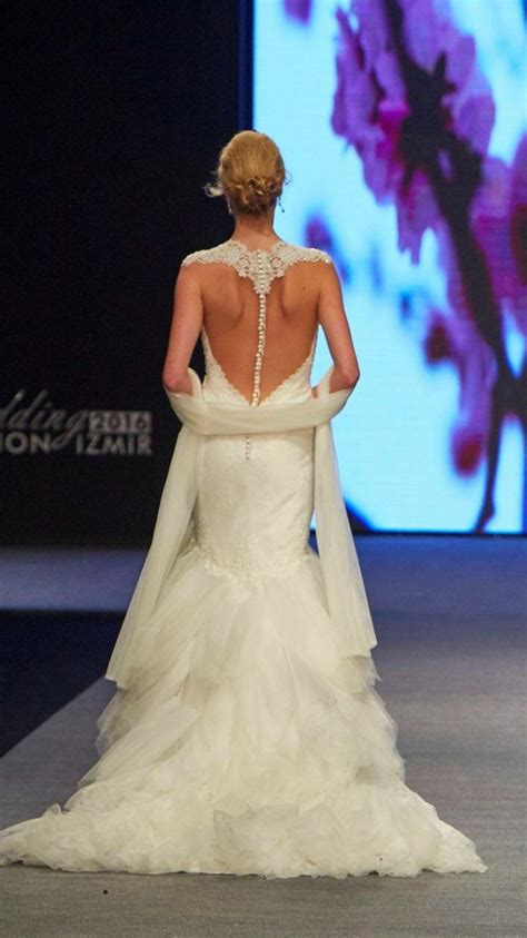 the 70s are back weddingbee show me your favourite illusion back weddingbee