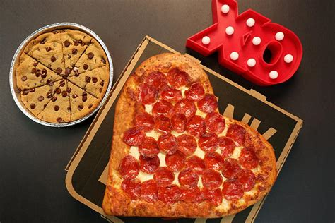 pizza hut valentines alert pizza hut has a s day pizza and it s