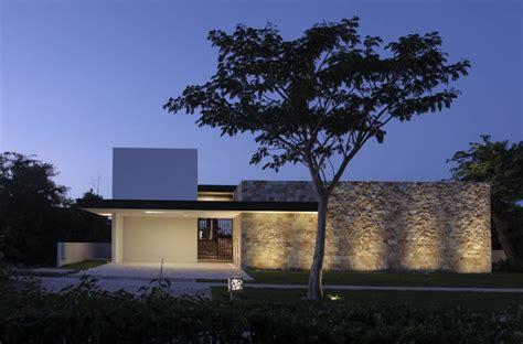 casa co dise 241 o de casa en forma de l moderna fachada e interiores