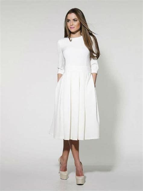 Midi Dress Cokelat 7 tips padu padan busana untuk kamu yang bertubuh pendek fashion bintang