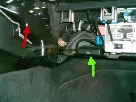 Bmw 1er Cabrio Batterie Laden by Austausch Der Gebl 228 Seendstufe Reparaturanleitung 3er