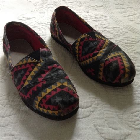 tribal pattern toms 54 off toms shoes tribal print toms from juliette s