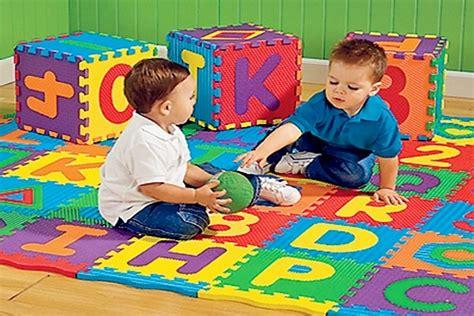 tappeti per bambini puzzle tappetini per bambini modello puzzle pericolo per la