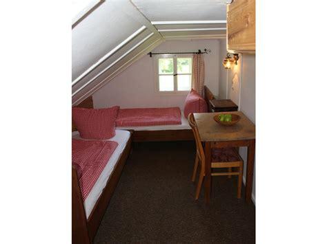 schlafzimmer 2 betten ferienwohnung kanzelwand im haus wimmer kleinwalsertal