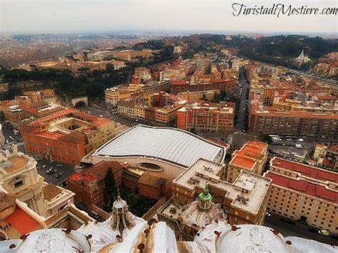 gradini cupola san pietro roma dall alto panorama dalla cupola di san pietro