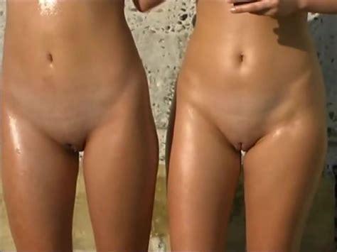 Russian Beach Babes Txxx