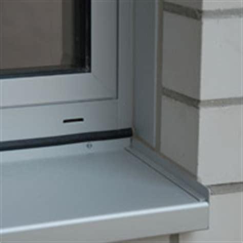Fenster Mauerwerk Abdichten by Fachthema Spritzbare Dichtstoffe In Der Anschlussfuge F 252 R
