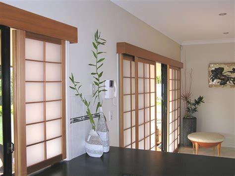 cortinas japonesa 5 muebles b 225 sicos para una decoraci 243 n japonesa