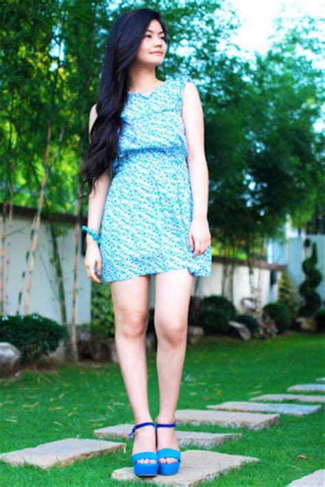 what color shoes with light blue dress what color shoes to wear with blue dress