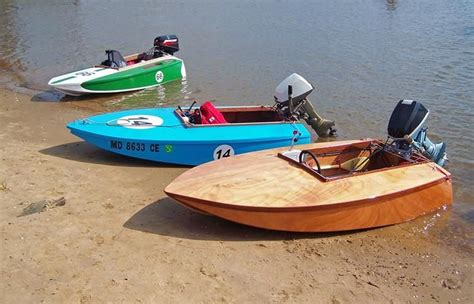 small boat race cocktail class racer wooden outboard motor boat cocktail