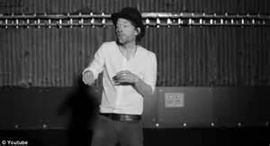 Thom Yorke Lotus Flower New Radiohead Album The King Of Limbs Industry Rebels