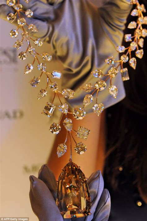 Most Expensive L world s most expensive necklace to go on sale for 163 37million daily mail