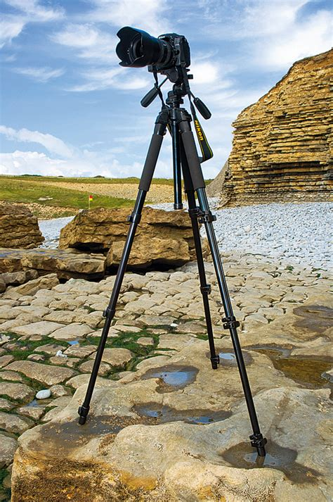 Tripod Kamera Shooting how to use a tripod the right way to set up and features you need digital world
